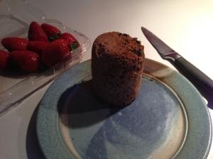 Turn muffin out of mug