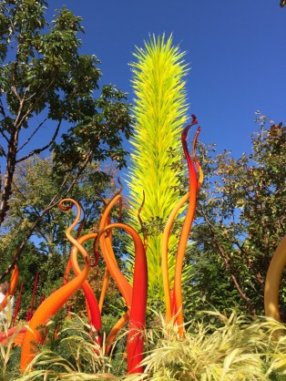 Chihuly glass garden sculpture