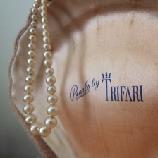 trifari-pearls-simulated