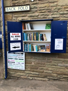 Even this country store had a small book section of used books outside the shop for £2. Don't you love the honesty system?